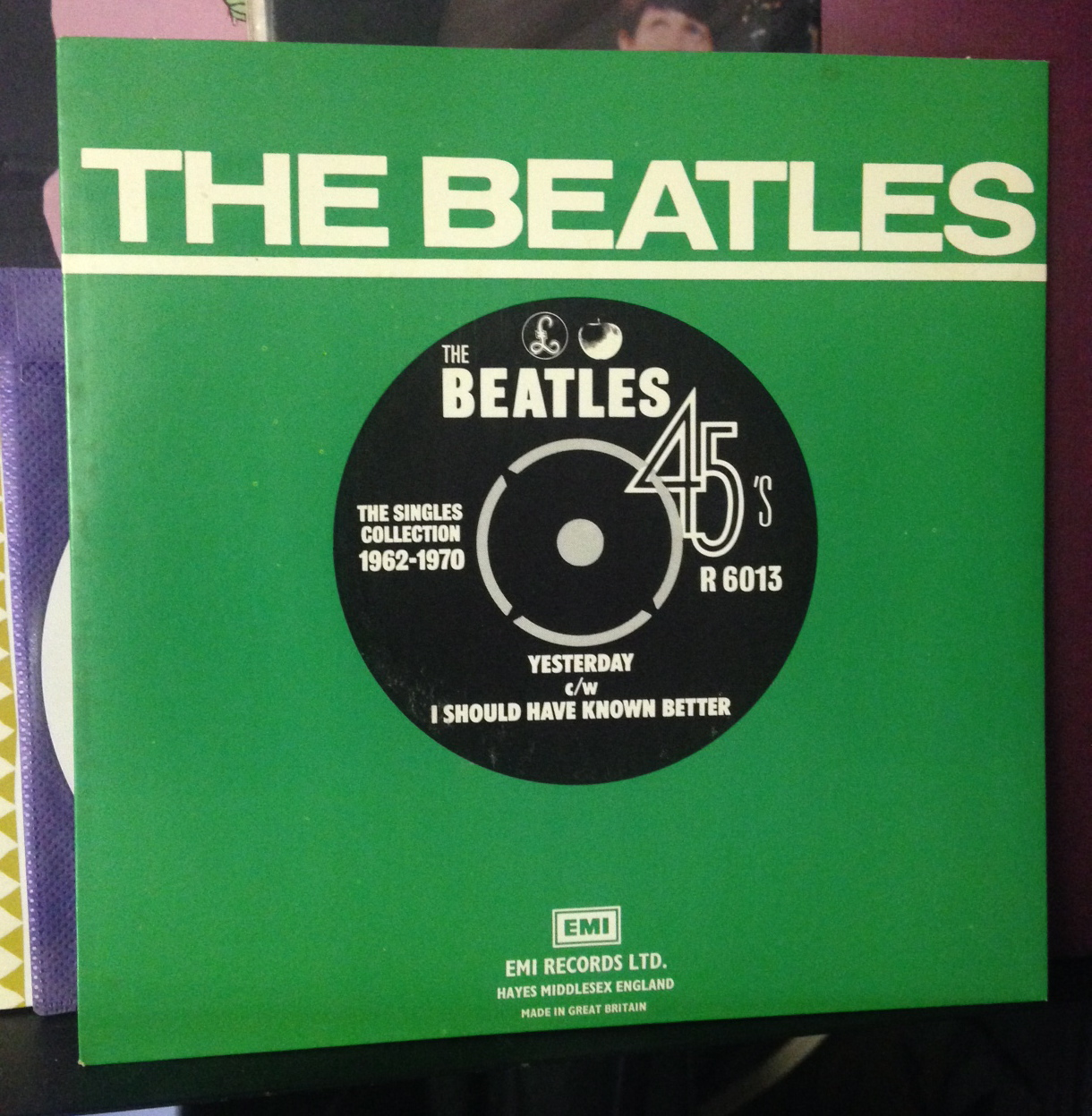 the beatles collection box set of 25 39 45s 39. Black Bedroom Furniture Sets. Home Design Ideas