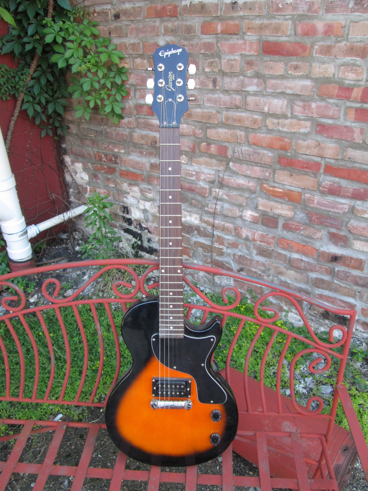 Small Town Music In House Inventory Home Page 2x Vols 1x Master Tone And Emg Ab On The Output Seemed Simple Epiphone Les Paul Junior Bolt Neck Electric Guitar This Could Use Some Detailed Cleaning But Overall Nice W Electronics Sounding Great Working Well