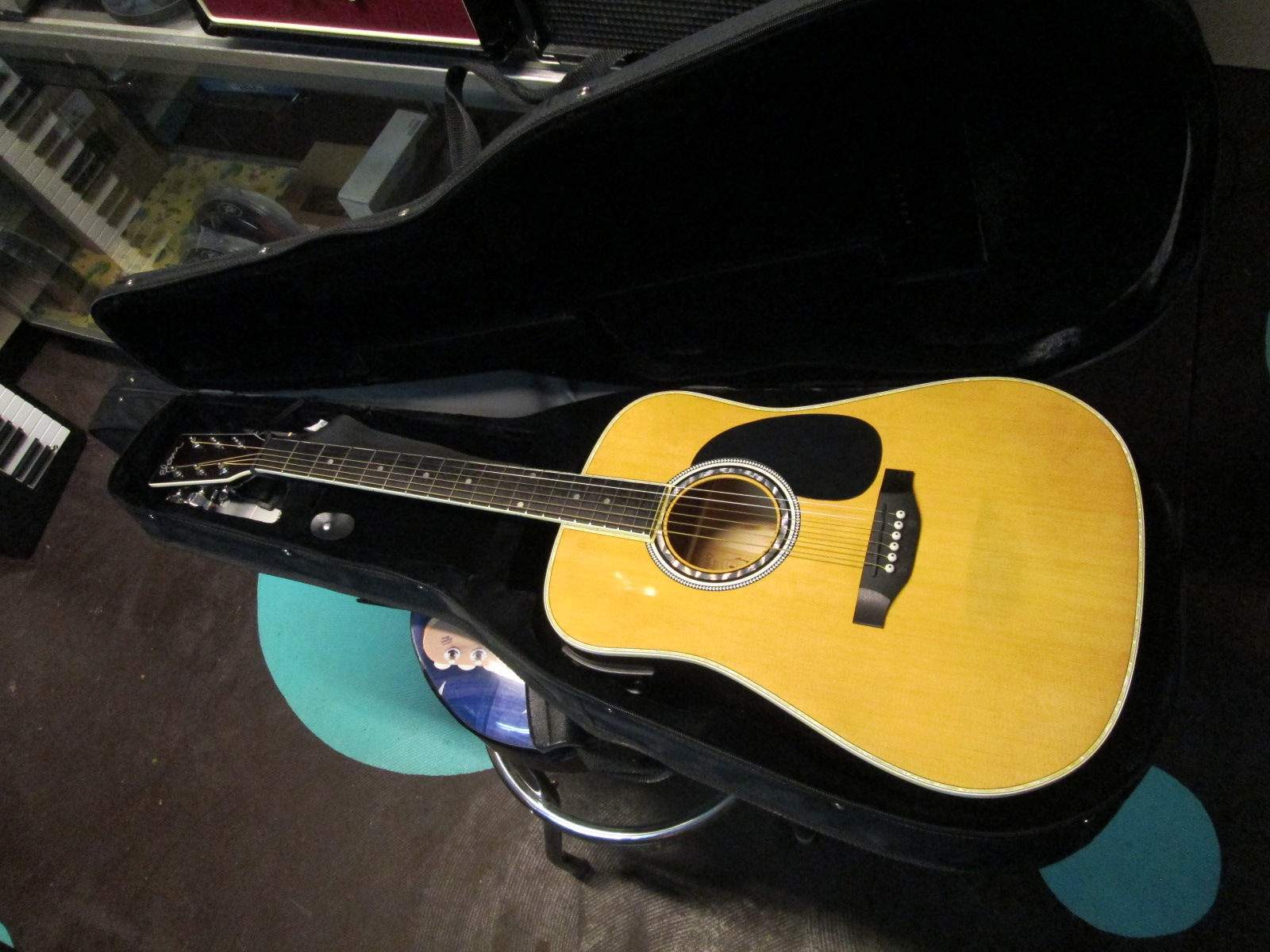 b0660645425 ESTEBAN Acoustic Electric Guitar American Legacy Natural ALC-200 like new  with case $99.00 ( pic1 +2 ) e/r-x • ESTEBAN Acoustic Electric Guitar  American ...